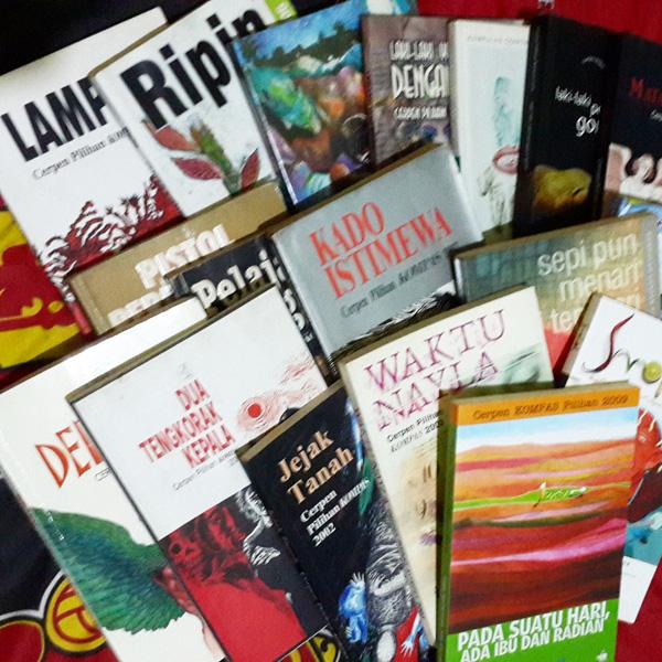 Buku-buku cerpen pilhan Kompas. Foto: agusnoorfiles.wordpress.com